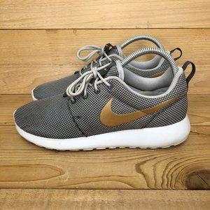 Women's Nike Roshe One running shoes - size 7